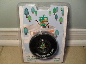 RCM Vancouver 2010 50 Cent Coin In Hockey Puck Set