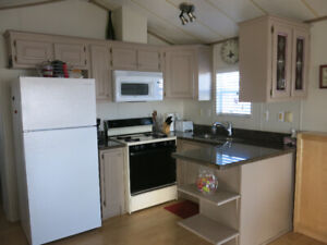 Sherkston shore 2 bedroom. Sept and Oct open.