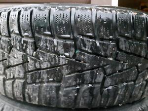 pneus hiver avec jante 5 troues  205/55/16 ,