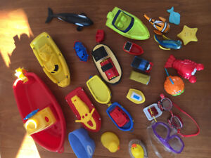 Large Lot of Bath Toys