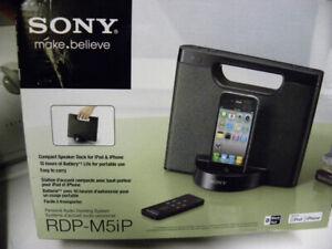 Station d'accueuil SONY pour iPod et iPhone (avec télécommande)