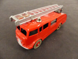 Dinky Toys Meccano #555 Fire Engine - 1952