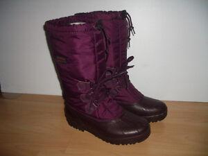 """"""""""" SOREL """""""" boots / bottes ---- like NEW ---- size 9 US lady"""