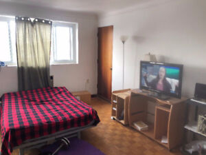 month to month room for rent