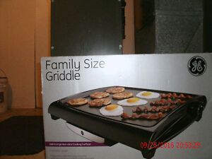GE Grill - used once still in box $30. London Ontario image 5