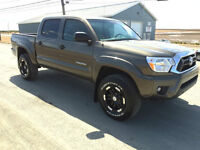 2013 Toyota Tacoma Pickup Truck SR5