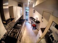 Spacious Pad by Baker Street - Couples Welcome - Bills Inc