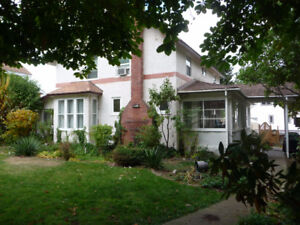 FIVE BEDROOM/3 BATHROOM CHARACTER HOME IN TRAIL