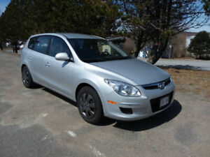 2011 Hyundai Elantra Touring Automatic, 5 Door Hatchback