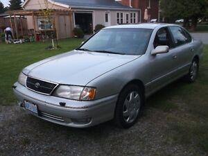 1999 Toyota Avalon XLS Sedan