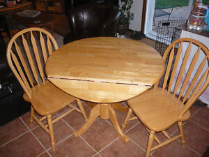 Solid wood (birch?) drop leaf kitchen table & chairs Stratford Kitchener Area image 2