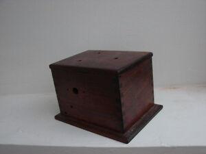 vintage 1920's Wooden DOVETAIL storage box Belleville Belleville Area image 2