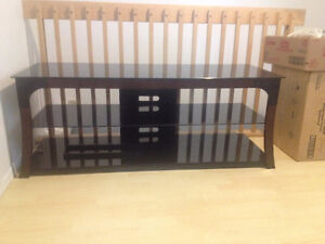Table télé en verre fumé noir