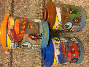 New! Thomas take n play spiral tower tracks with train reduced Kitchener / Waterloo Kitchener Area image 1