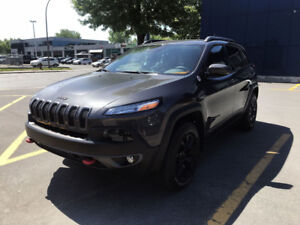 2015 JEEP CHEROKEE TRAILHAWK GROUPE REMORQUAGE GPS TOIT PANO CUI