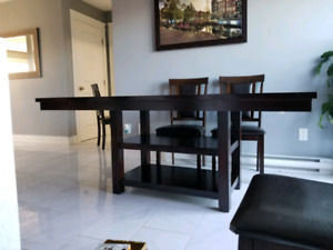 Dark brown kitchen table with six tables