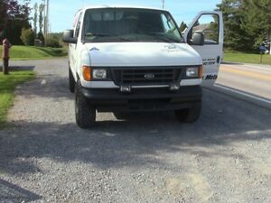 2004 Ford E250 Fourgonnette, fourgon Saguenay Saguenay-Lac-Saint-Jean image 4
