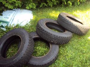 2 set de 4 pneus avec jante hiver