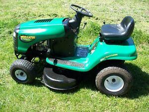 Lawn tractor $850 obo