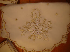Winter / Xmas Table Linens 56 pieces London Ontario image 2