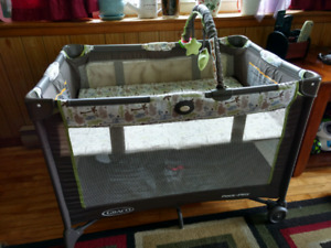 Graco Pack and Play Playyard (Playpen)