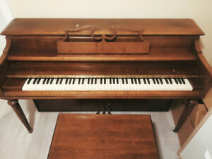 Spinet piano fo sale