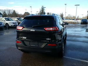 2014 Jeep Cherokee North 4x4, 1 owner clean with clean history London Ontario image 3