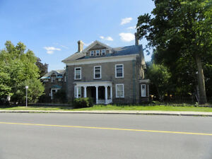 Two bedroom apt. - Smiths Falls