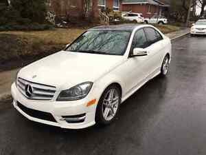 2012 Mercedes-Benz C300 4MATIC, Premium, Nav, 49000KM - Reduced