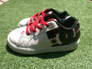 Size 9 DC Shoes