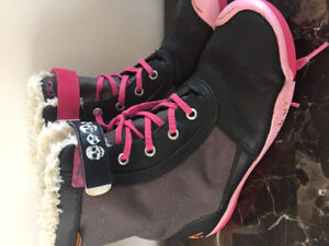 Girls size 4 All Season Boots - made by Plae