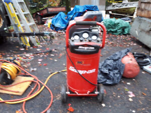 compresseur Snap On , 20 Gallons, 120 psi