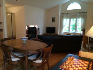 Beautiful, Sunny 2 Bedroom Condo for Rent St-Lazare West Island Greater Montréal image 1