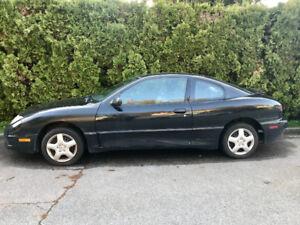 2004 Pontiac Sunfire Coupe (2 door)