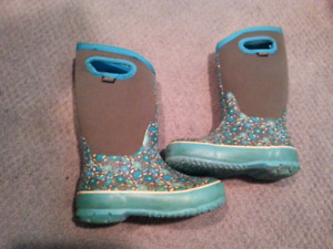 Bogs Winter Boots Girls Size 12