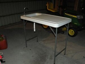 Fish or game cleaning table