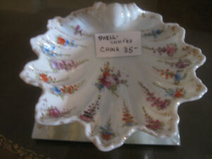 QUAINT OLD VINTAGE SCALLOP-EDGED BAVARIAN CHINA BON-BON DISH