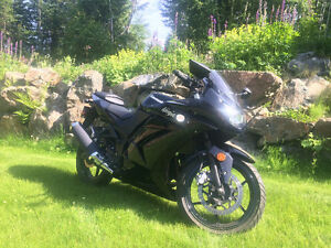 2010 Kawasaki Ninja 250 - Jacket and Helmet also available