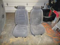 seats from a 2003 mustang