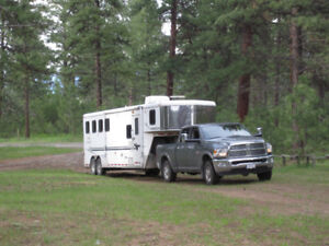 2004 Bison Aluma-Sport 4 Horse Trailer 9 Foot short wall with 6