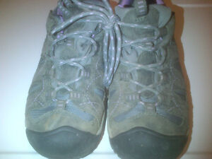Keen Girls Light Hiking Style Shoes