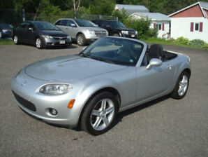 2007 Mazda MX-5 - 2.0L 4cyl 5 Speed Convertible - New MVI!!