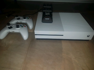 Trade Xbox one s for PS4 slim