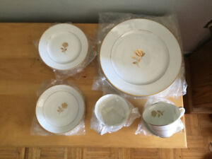 New Vintage Fine China Dinnerware