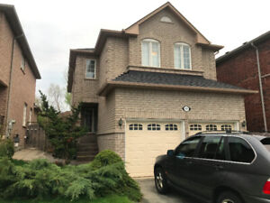 Upper house for rent in Mississauga 3 bedrooms $2,400 per month