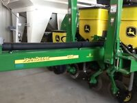 2014 JD Corn planter 1770 ,fully equipped