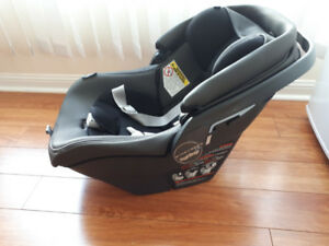 Peg Perego Baby Car Seat  4-35 , base and bunting bag