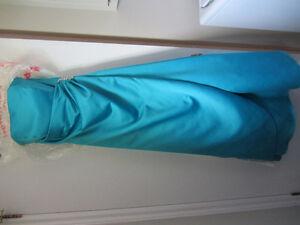 Robe satin bleu