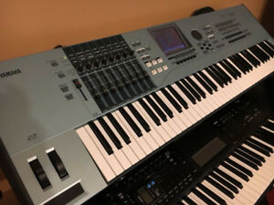 Fully loaded excellent condition Yamaha Motif XS7 + extras!