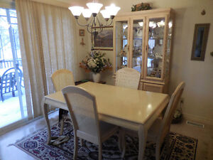 DINING ROOM / CHAIRS /  BUFFET   519 504 2936 / 519 578 4134